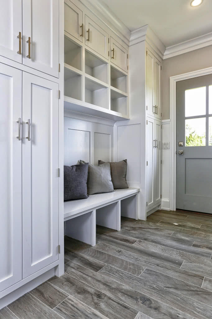 Ash_Tile_Floor_Mudroom